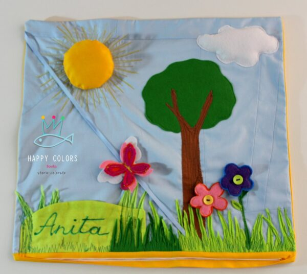 """""""Germoglio"""" – Cuscino gioco con fiori e farfalle"""
